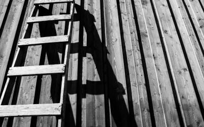 Climbing broken ladders: Women aspiring to nonprofit leadership